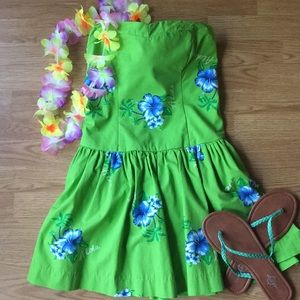 Hollister Dresses - Hollister Aloha strapless dress